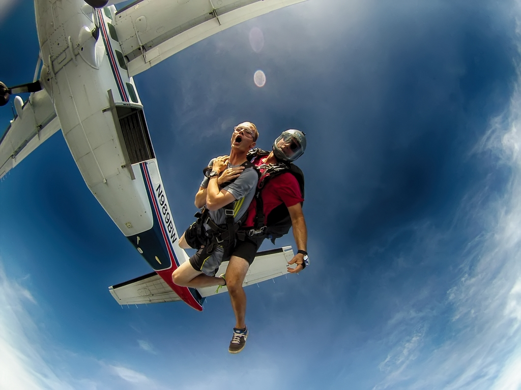 Skydiving in Tennessee
