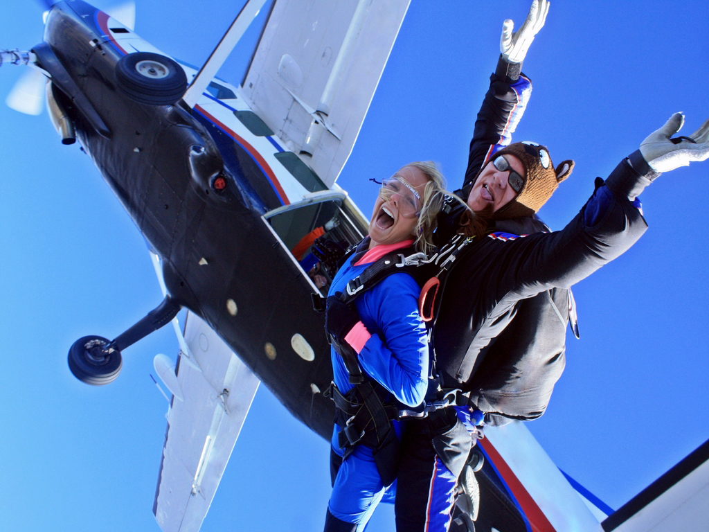 Tandem Skydiving in Tennessee